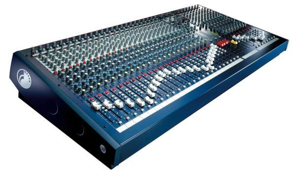 Table de mixage analogique Soundcraft LX7 II 32/4/2