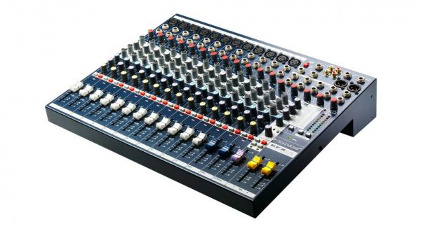 Table de mixage analogique Soundcraft EFX 12