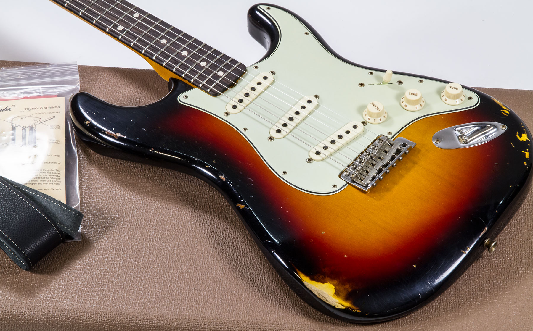 Custom Shop 1962 Stratocaster 2019 #R98416 - relic 3-color sunburst