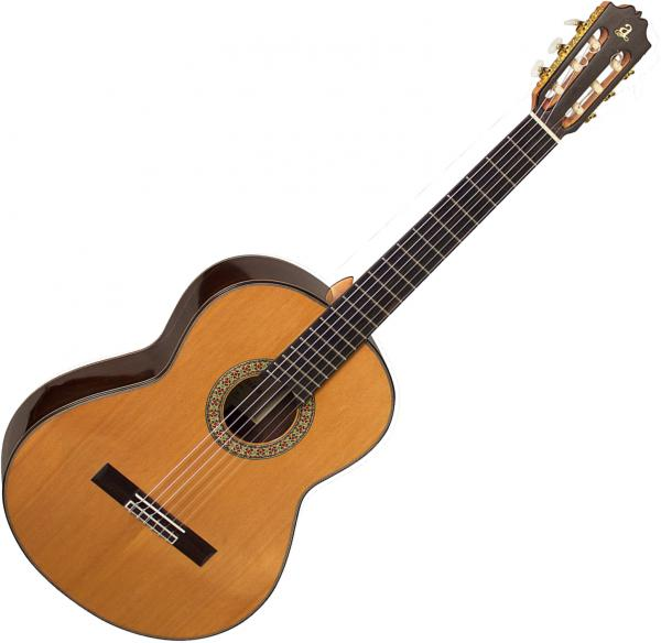 Guitare classique format 4/4 Admira                         Handcrafted A20 - Natural gloss