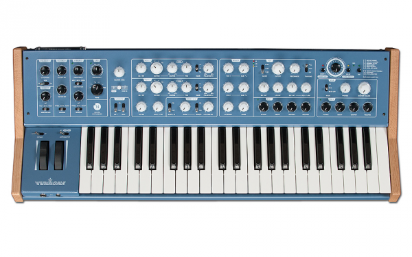 Synthétiseur Vermona 14 Analog Synthesizer